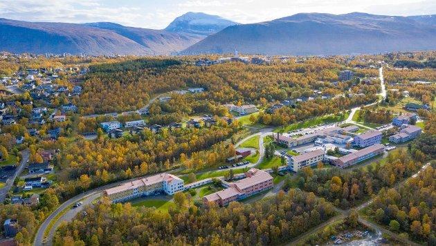 Denne tomta i Tromsø skal UNN og fylkeskommunen selge for å tjene 400 millioner kroner.