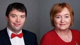 TV-AKSJON: – Vi skal være digitale bøssebærere 18. oktober, og oppfordrer alle andre til å gjøre det samme, skriver Anne Thoresen og Hans Kristian Enge.