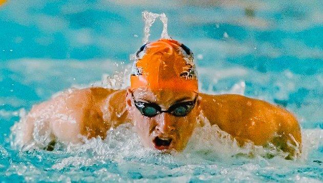 Herman Riis Langhammer (16) kjørte for full kraft på Ås svømmeklubb sin mini treningsleir.