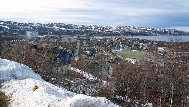 I Kirkenes er alle gateskiltene både på norsk og russisk, og en økende andel med russisk etnisitet skaper automatisk økende interesse i Russland for deres «egen» befolkning der, advarer Ole Kristian Greiner-Tollersrud.