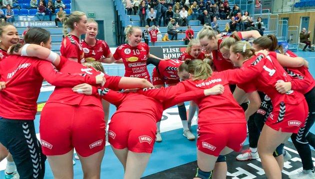 Follo HK Damer slo Aker 27-26 i Stil Arena søndag 16. februar 2020. Dette ble Follo-damenes tredje seier i debutsesongen i eliteserien.