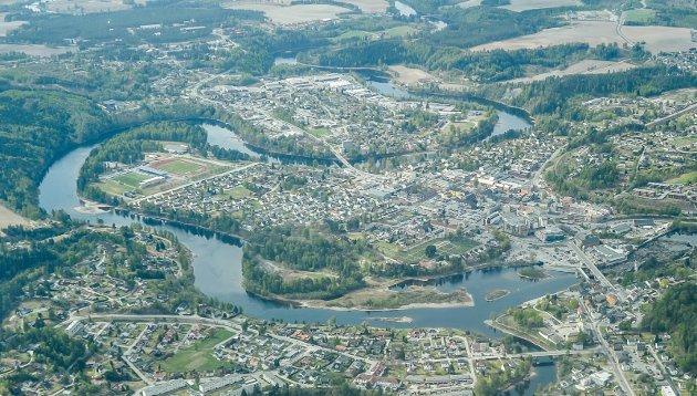 Flyfoto av Hønefoss.