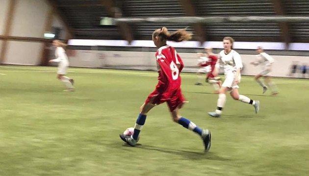 Fotball. Områdesamling Mosjøhallen 4. november 2018.