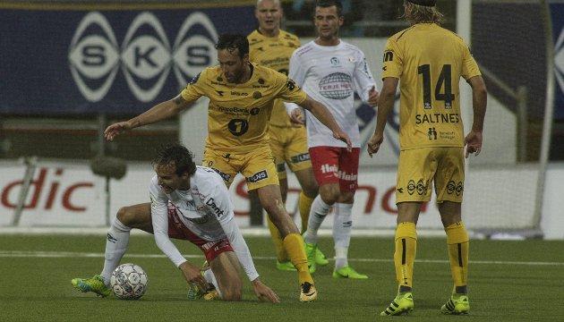 I KNESTÅENDE: Alexander Henningsson og FFK har sju poeng opp til trygg plass etter tapet mot Bodø/Glimt onsdag.
