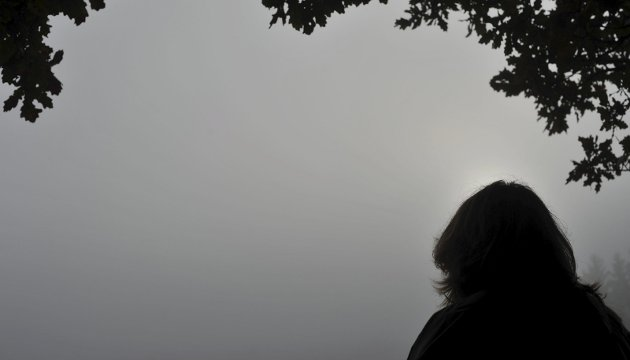 SMERTE: Presset, den indre smerten og tungheten en føler blir for mye for mange mennesker. Folkehelseinstituttet anslår at 5.000 nordmenn prøver å begå selvmord hvert år.