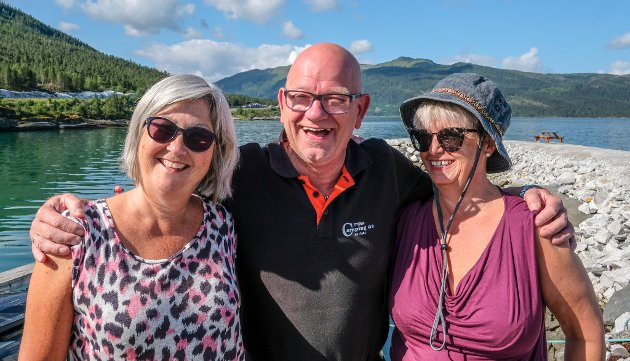 Anna Proos og Inger Englund var på norgesferie i fjor, da sov de i telt, men måtte kaste inn håndkleet og sjekke inn på Yttervik til slutt. Det ga mersmak.