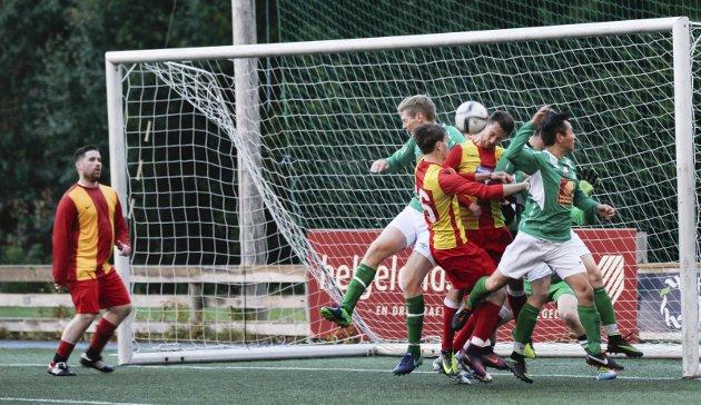 Fotball. Olderskog mot nesna på Olderskog stadion. 6-2. Olderskog med stor sjanse
