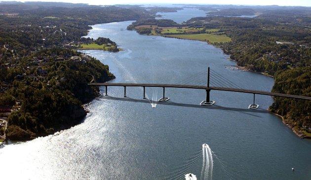 Vestfjordforbindelsen: Vi er jo interessert i at veisystemet i regionen skal være best mulig. Det vil en bro mellom Stokke og Nøtterøy gjøre, skriver Steinar Ellefsrød. Fotomontasje: Statens vegvesen, Vestfold