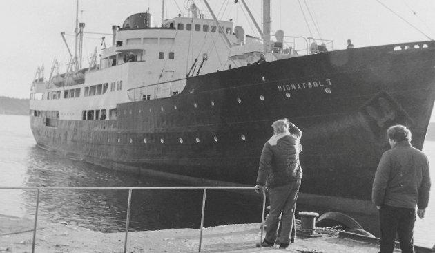 Da Midnatsol kom til Kragerø: Det var i februar 1983 at partsrederiet Drangsholt, Forsberg, Hoddevik & Kjendal kjøpte hurtigruta Midnatsol. Skipet var i god stand, men det var nødvendig med omfattende arbeider for å kunne ta det i bruk som restaurant og hotell. Mange i Kragerø husker den helt spesielle stemningen om bord. Her var hurtigrutas værharde historie til å ta og føle på. I 1985 var det slutt på eventyret, Midnatsol ble solgt.