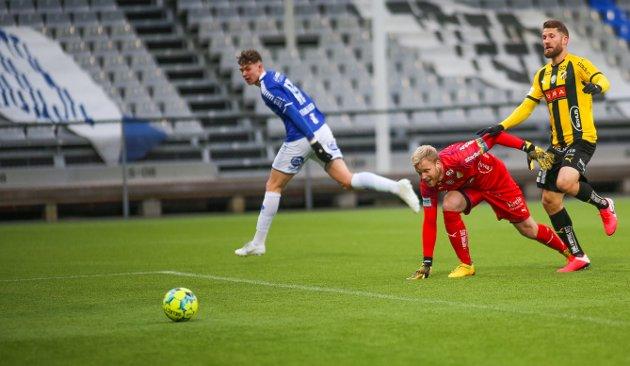 MÅL: Sarpsborg 08s Jørgen Strand Larsen setter inn 2-0  under treningskampen mellom Sarpsborg 08 og Häcken på Sarpsborg Stadion.