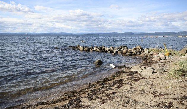 Stranda: I dette området på Refsnes er det ønsker om å bygge en brygge.