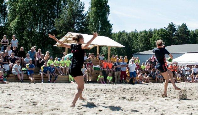 I helgen ble det åpnet et nytt anlegg for beach-håndball i Schjongslunden.