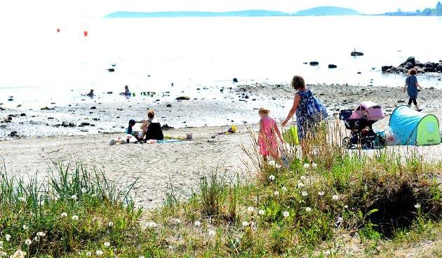 IKKE GITT: Fem ukers betakt ferie er et tilkjempet gode, minner forfatterne om.