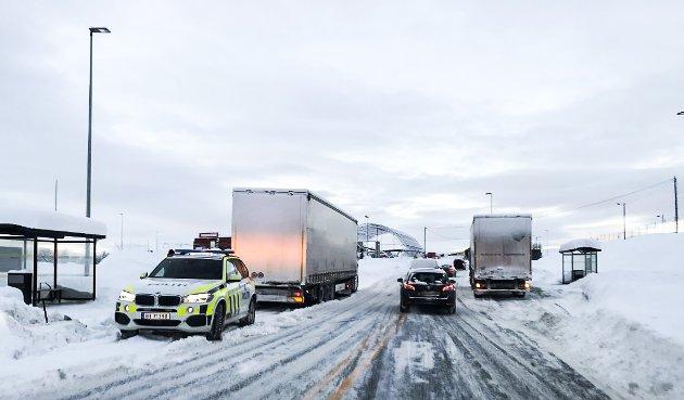 Kontroll av vogntog. Vinter