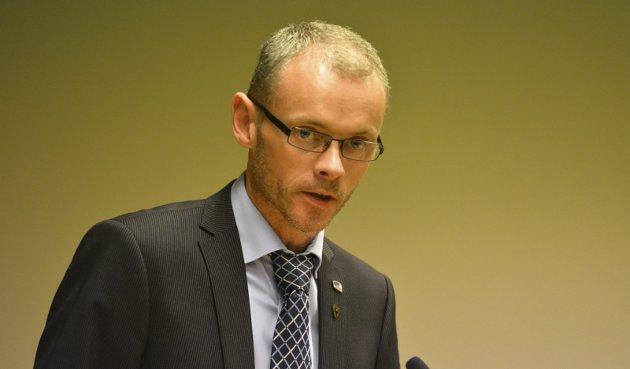 - Det er åpenbart at Fylkesrådet ikke har fulgt opp sine egne ambisjoner, skriver Ståle Sæther.
