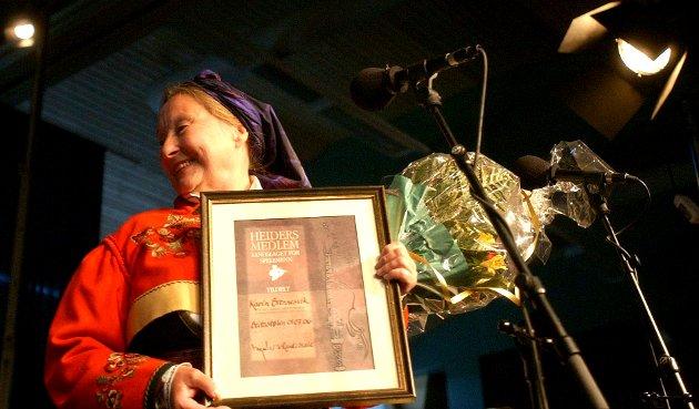 Bildet ble tatt da Karin Brennesvik mottok hedersdiplom fra Landslaget for spelemenn i 2006.