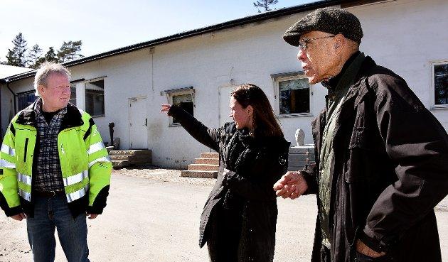Befaring: Øivind Johansen, Vigdis Johansen og den amerikanske kunstneren Martin Puryear.