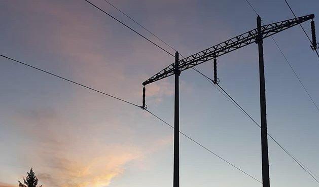 Vi eksporterer strøm og importerer høye priser, skriver Trygve Bjark.