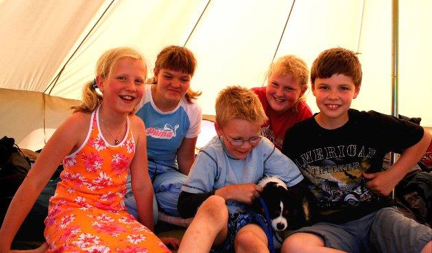 4H: Fossegrimen i telt på leir i 2006.