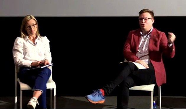 Politisk rådgiver Line Spiten (H) og fylkesordfører Even Aleksander Hagen (Ap) i panelsamtale under Festival Morgana.