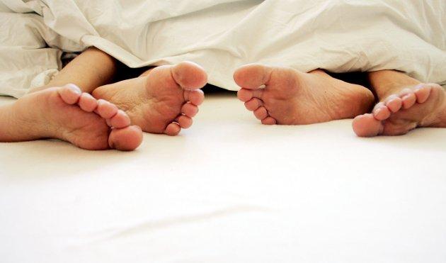 Hvem velger hva som er sexy? – I Romerikes Blad uttaler sexolog Beate seg om sex og joggebukse: «Få ting er så lite sexy som joggebukse og tv-skjermen hele kvelden». Hvem snakker hun for? spør debattforfatteren.