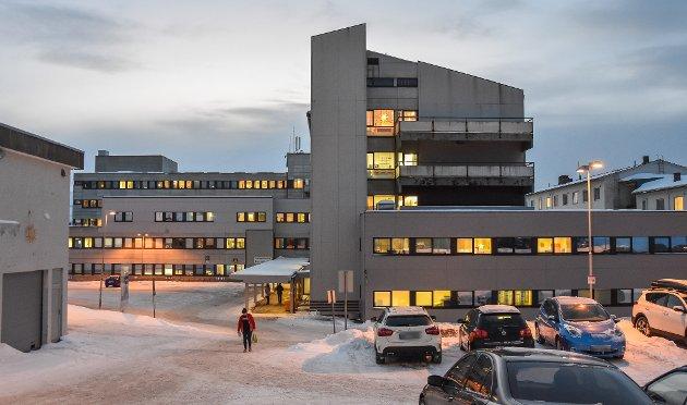 Det hele er etter mitt ringe skjønn så grovt, at det under normale forhold umiddelbart bør utløse at hele styret straks avsettes, skriver Svein Aasegg.