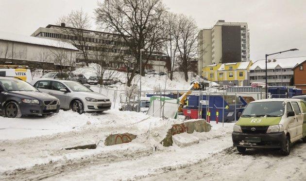 Byggeplass: Kronikkforfatter Jonathan Parker advarer mot byggeprosjekter i Moss sentrum, prosjekter som vil kunne bidra til en dramatisk endring av byen.