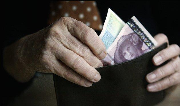 Tynn lommebok: – Så er spørsmålet om det bare er pensjonistene som skal vise moderasjon og stå over det som alle andre grupper i samfunnet får gleden av; å få bedret sin kjøpekraft, spør Gunnar Listerud.