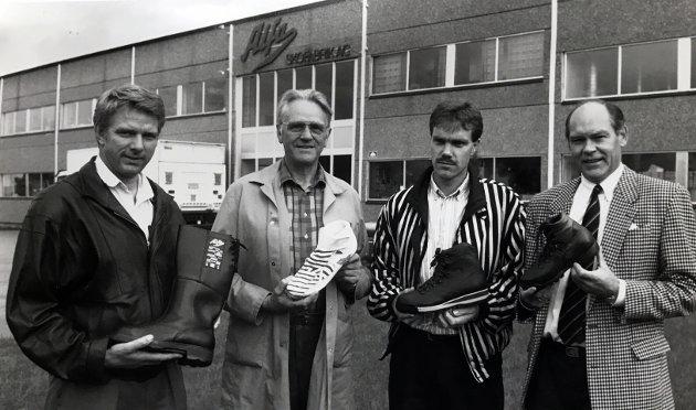 1990, Alfa Skofabrikk A/S i Brandbu har fra 30. september (1990) overtatt samtlige 1000 aksjer i skobabrikken A/S Norrøna på Hamar. Fra venstre Steinar Sveen, Norrøna, Jacob Ihlen, daglig leder i Alfa, Jørn Prestkvern, Alfa og styreformann i Alfa, John Hausken.