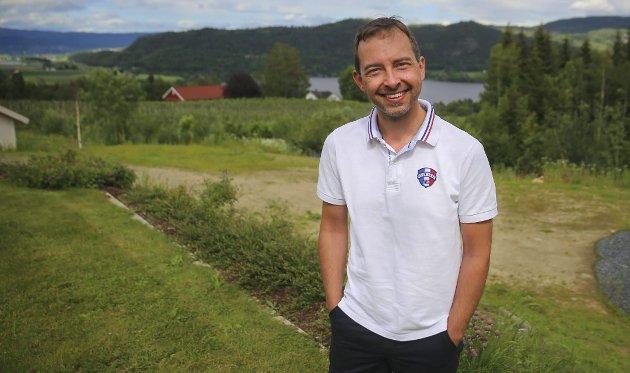 Kim Mogen Myhre er leder i Øvre Eiker Senterparti.