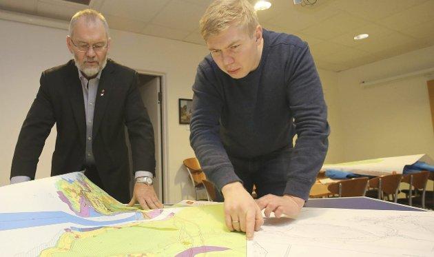 Vegard Johan Jæger (nærmest) i Narvik SV mener folk i sentrum av Narvik har noe å løre fra de gode og livskraftige bygdene i Narvik.