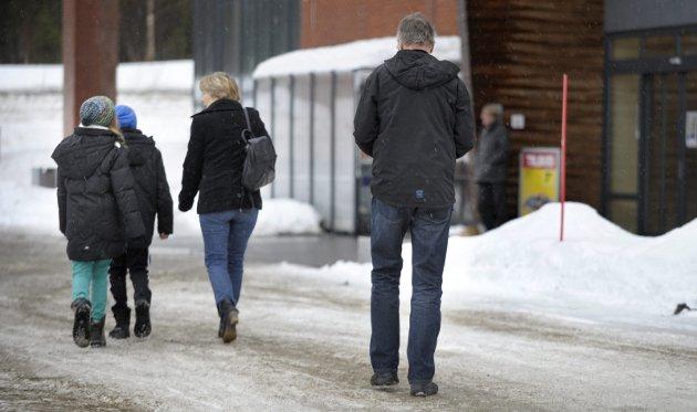NEDGANG: I Nordland ser vi for tida ei svært negativ befolkningsutvikling. Ifølge Statistisk sentralbyrå har fylket vårt mistet  8 innbyggere hver eneste dag de siste tre månedene, totalt 702 mennesker, skriver Bjørnar Skjæran.FOTO: Øyvind bratt