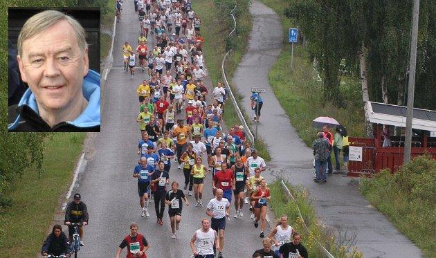 Starten på noe stort som ble større og større: Ringeriksmaraton. Lørdag er det 23. gangen tusenvis bruker augustdagen på løping, fest og moro.