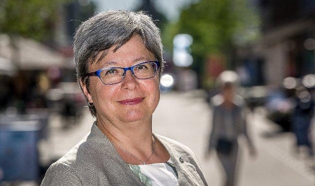 Monica Carmen Gåsvatn, fylkestingsrepresentant for Viken Høyre,  reagerer på at opposisjonen som vil legge ned Viken går for en kostbar politisk modell i Viken. (Foto: Johnny Helgesen)