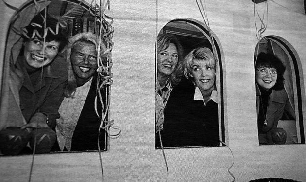 Det var spente fjes med solide smil som åpnet reisebyrået Ibsen Business Travel i Trafikkgården. Reisekonsulent Heidi Johansen, Tanya Solberg fra Osloavdelingen, administrerende direktør i Ibsen Elisabeth Lund Johnston, avdelingsleder  på Leknes Anngeli  Pettersen og reisekonsulent Marita Aalborg gledet seg til igjen å drive reisebyrå på Leknes.