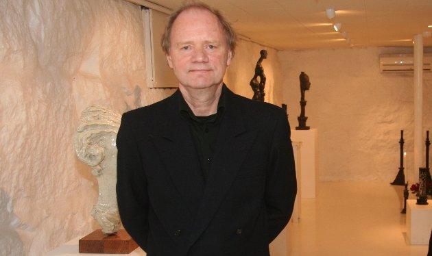 TRØ VARSOMT: Kunstner Kjell Johannessen mener man må trø varsomt når det planlegges nye installasjoner i Jørpelandsvågen.