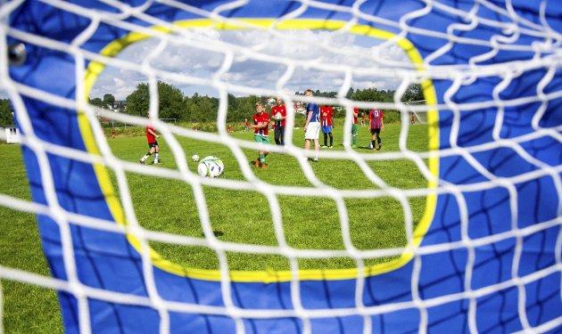 BARNEFOTBALL: Les fotballmammaens tanker rundt barnefotball og hennes observasjoner fra sidelinjen.                                                                                                                             ILLUSTRASJONSFOTO