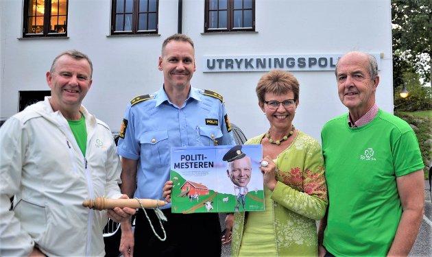 Senterpartiets Per-Asbjørn Andvik, Kathrine Kleveland og Clas Huseby på besøk hos PHS og UP i forrige stortingsvalgkamp.