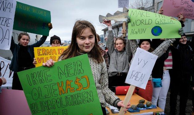 Fredag 22. mars arrangerte Rana Natur og Ungdom og Rana Rød Ungdom streik med fokus på klimaspørsmålet. Julie  Bang holdt appell.