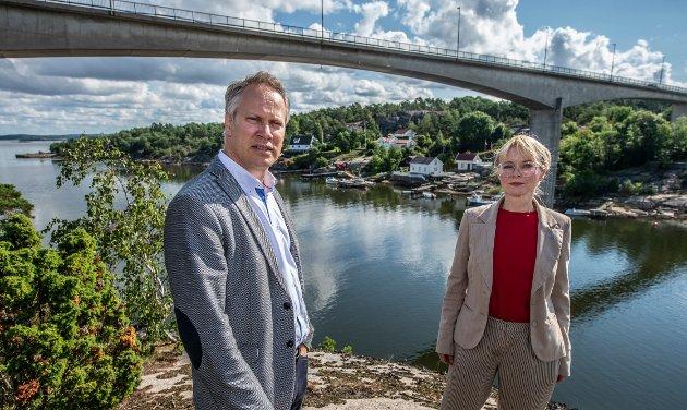 – I valgkampens hete glemmer ordførerne Nygård og Vauger tydeligvis å nevne at Arbeiderpartiet er en del av flertallet som styrer Viken fylkeskommune, skriver Schou og Sekkelsten.