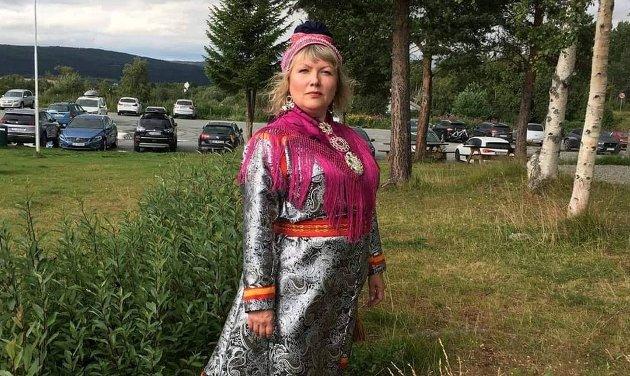Opplysning og kunnskap er veien til økt forståelse og aksept, og kanskje kan det bli slik at en dag er den samiske historien i Tromsø ikke ukjent, men en historie med aksept og forståelse for et kulturelt mangfold, skriver Lisa Pedersen.