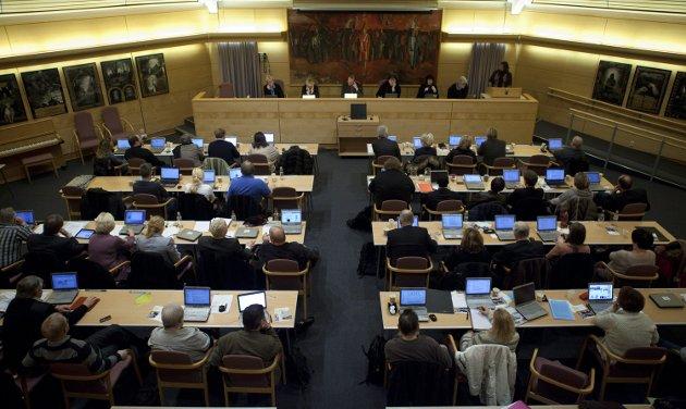 – Er det egentlig bystyret som bestemmer politikken i Sarpsborg, spør Per Ludvig Spydevold, bystyrerepresentant for Kristelig Folkeparti. (Foto: Tobias Nordli)
