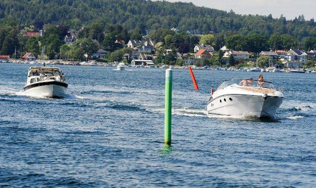 BEDRE SIKKERHET: Promillegrensen bør være den samme til sjøs som på land.