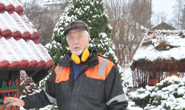 ØNSKER MERKING: Harald Gundersen mener kommunen må på banen og få markert skikkelige kjørefelt i Sagerud/Branngata for å forebygge personskader.