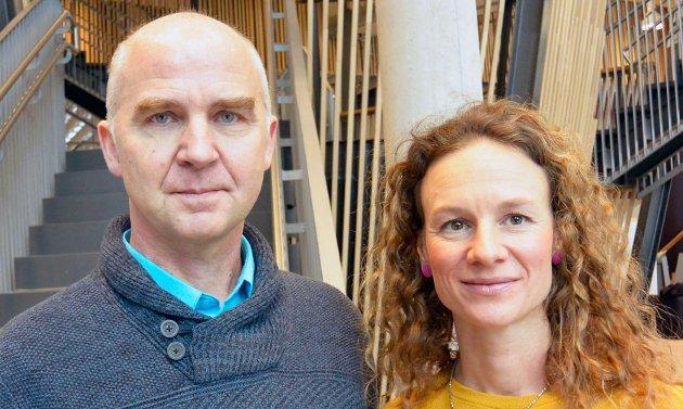 Øyvind Solum og Hanne Lisa Matt, som er fylkestingsrepresentanter for Miljøpartiet De Grønne, mener at det nå haster med at stat, fylke, kystkommuner og andre gode krefter går sammen om et krafttak for fjorden.