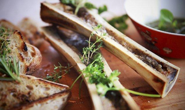 Margbein serveres gjerne med syrlig tilbehør og ristet surdeigsbrød til.
