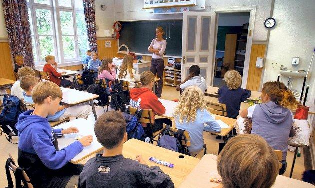 I klasserommet: Jeg mener det er rom for store forbedringer i arbeidslivet for dem som ønsker å være vikar der, skriver Siri Petersen. (Illustrasjonsfoto)