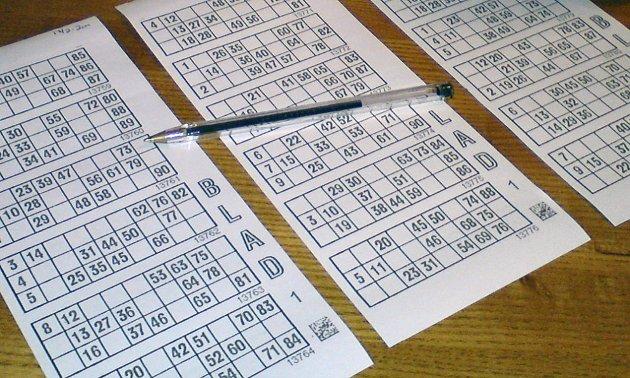 BINGO: De flest lokalradioene er avhengig av inntekter fra bingo.