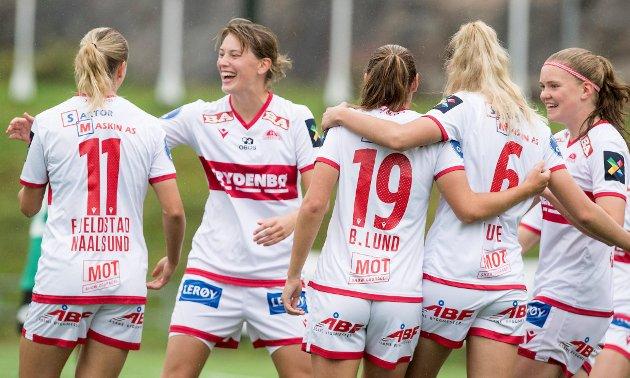 Damelaget til Sandviken er på vei mot seriegull, de skal spille om Kongepokal i cupfinalen, og neste år skal de inn i Brann. Her forklarer BAs sportsredaktør Tormod Bergersen hvordan det skal skje.