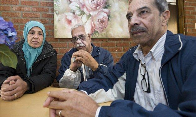 Syria-flyktninger: Fra venstre Ateka Milhm (52), hennes mann Atta (61) og vennen Abrhem Suleyman (68) kom til mottaket på Ørmen tirsdag for tre uker siden. De brukte en måned på sin ferd gjennom Europa fra Syria. Arkivfoto: Trond Thorvaldsen